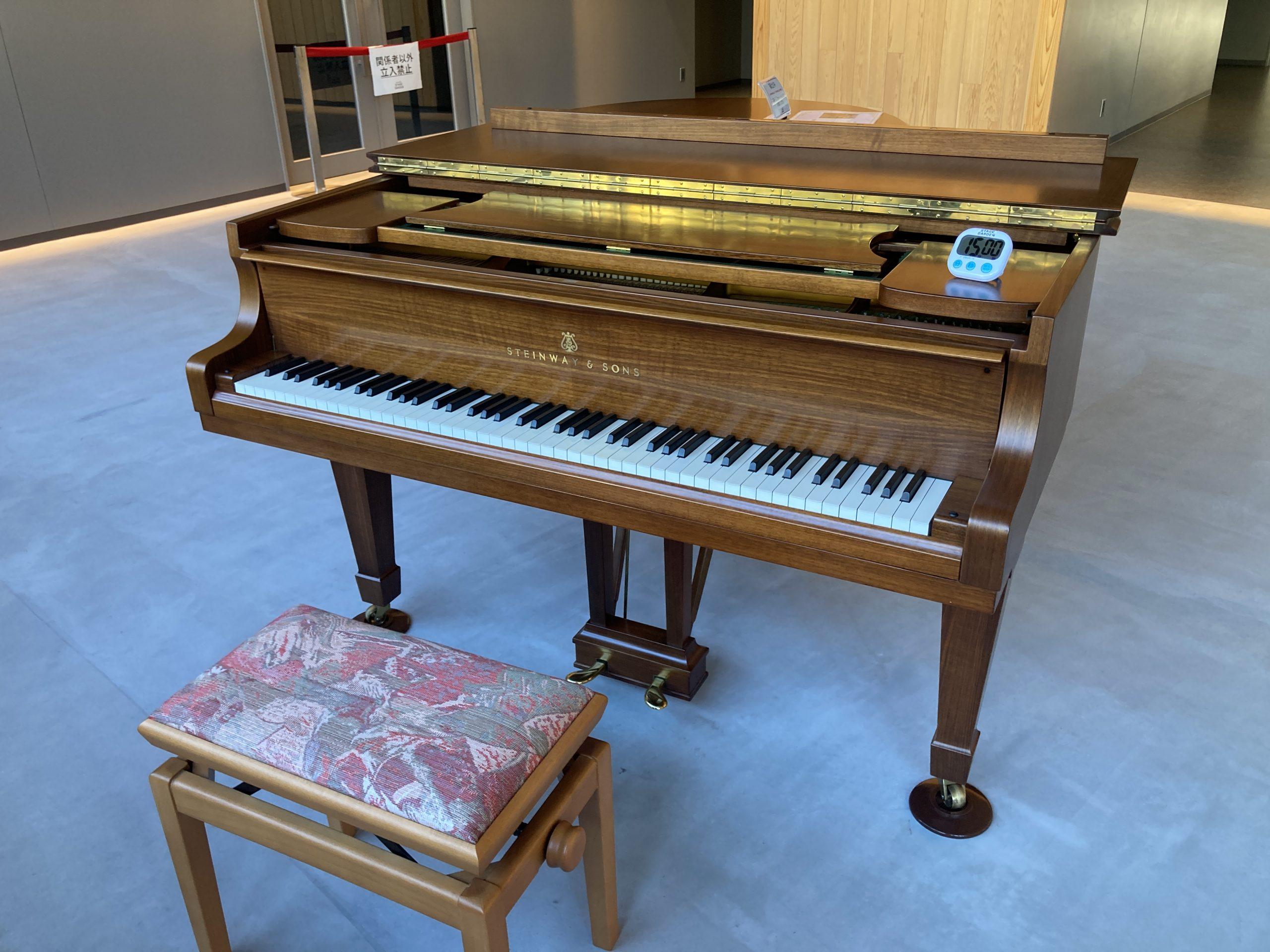 立川ステージガーデン - ストリートピアノを弾いてきました!